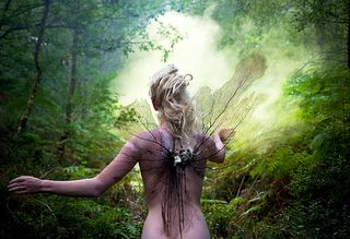 Kirsty-Mitchell-Wonderland-fairy-2