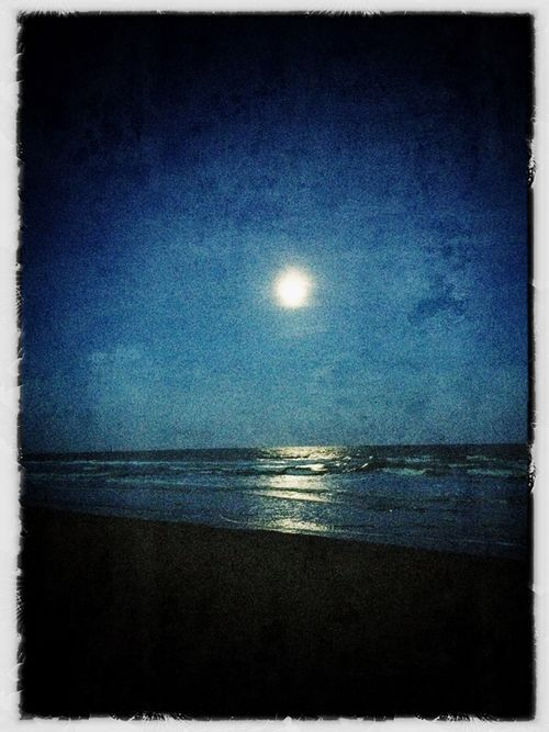 Camber-sands_moon